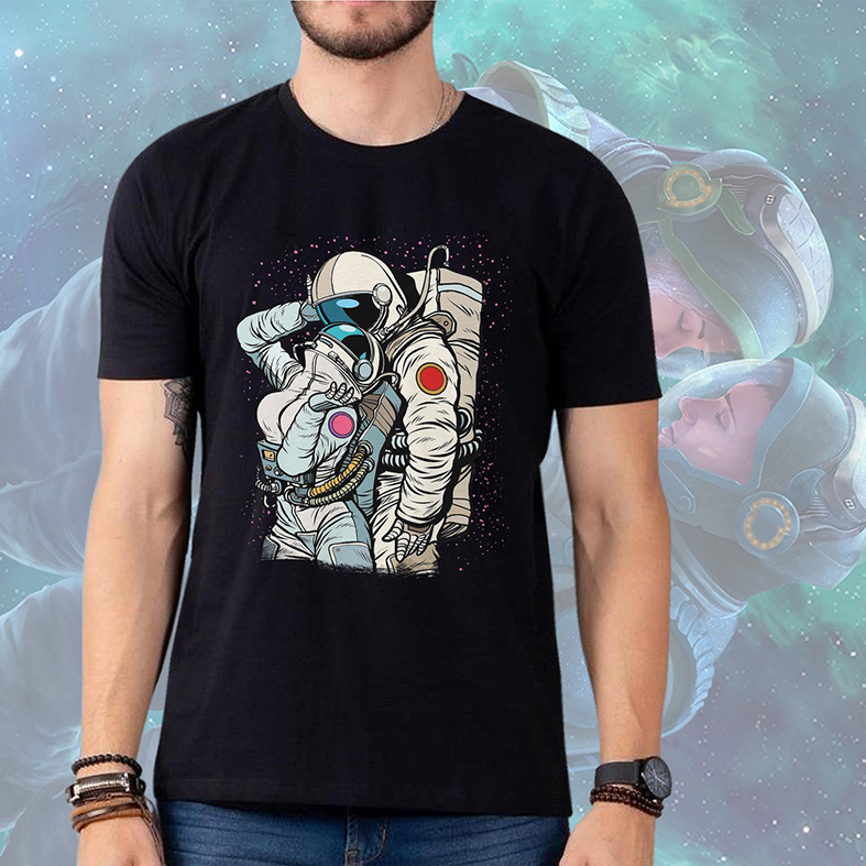 Camiseta Masculina Unissex Cosmic Love Astronauts Amor Cósmico Astronauta Space Nasa (Preta) - EV