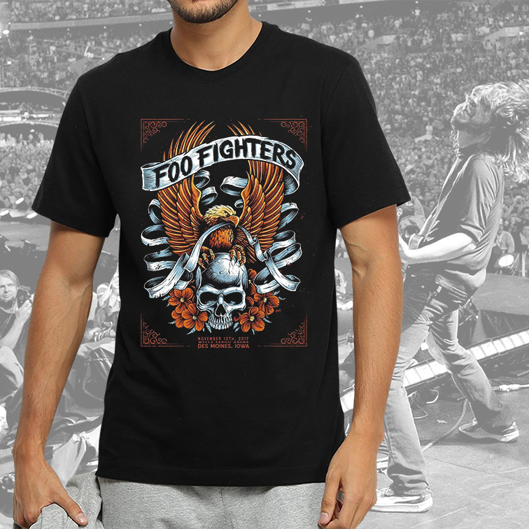 Camiseta Masculina Unissex Des Moines Iowa Wells Fargo Arena Foo Fighters (Preta) - EV
