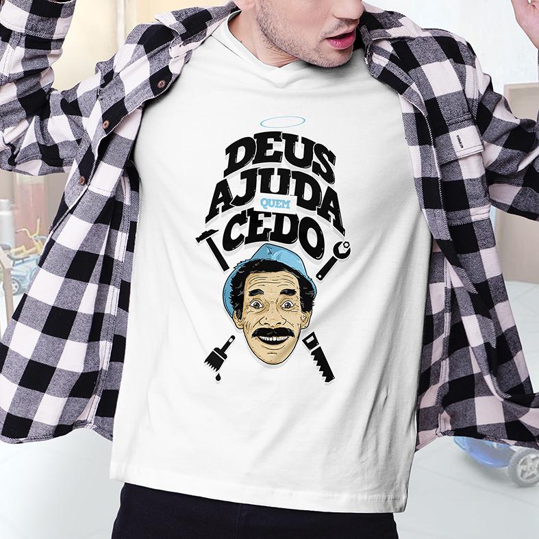 Camiseta Masculina Unissex Deus Ajuda Quem Cedo Madruga Ramón Valdés Seu Madruga: Chaves (Branca) - EV