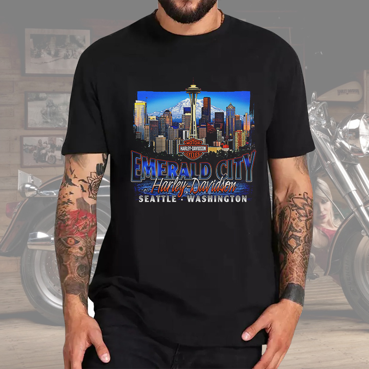 Camiseta Masculina Unissex Emerald City Seatle Washington: Harley Davidson Cycles (Preta) - EV