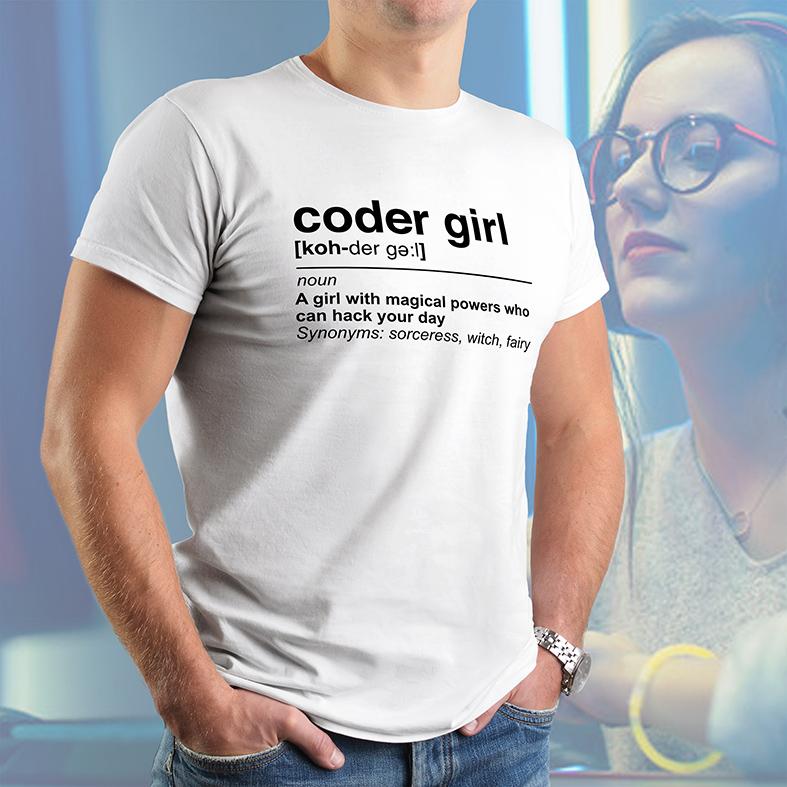 Camiseta Masculina Unissex Uma Garota Com Poderes Mágicos Que Pode Hackear Seu Dia Girl Code Código (Branca) - EV