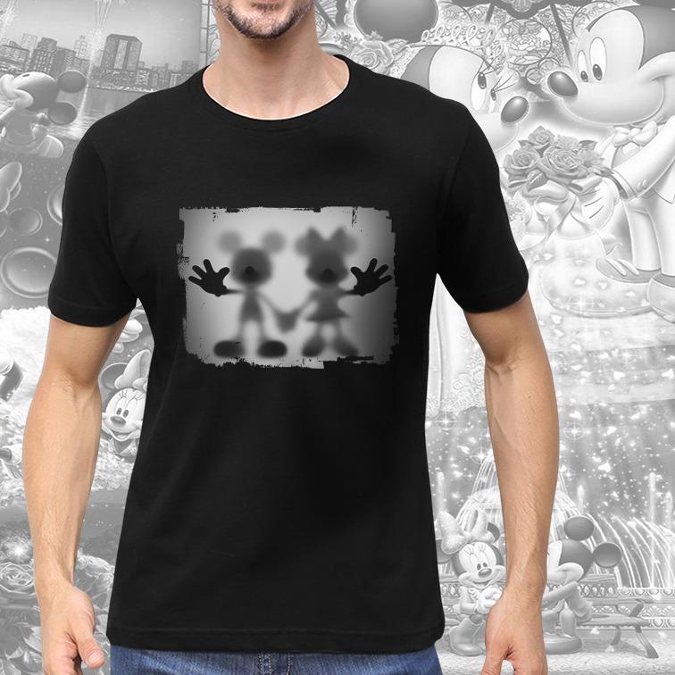 Camiseta Masculina Unissex Mickey e Minnie Mouse Desaparecimento Raio X Biombo Disney (Preta) - EV