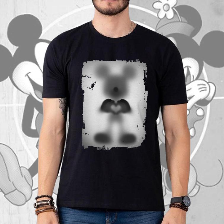 Camiseta Masculina Unissex Mickey S2 Desaparecimento Raio X Biombo Disney Mickey Mouse e Minnie (Preta) - EV
