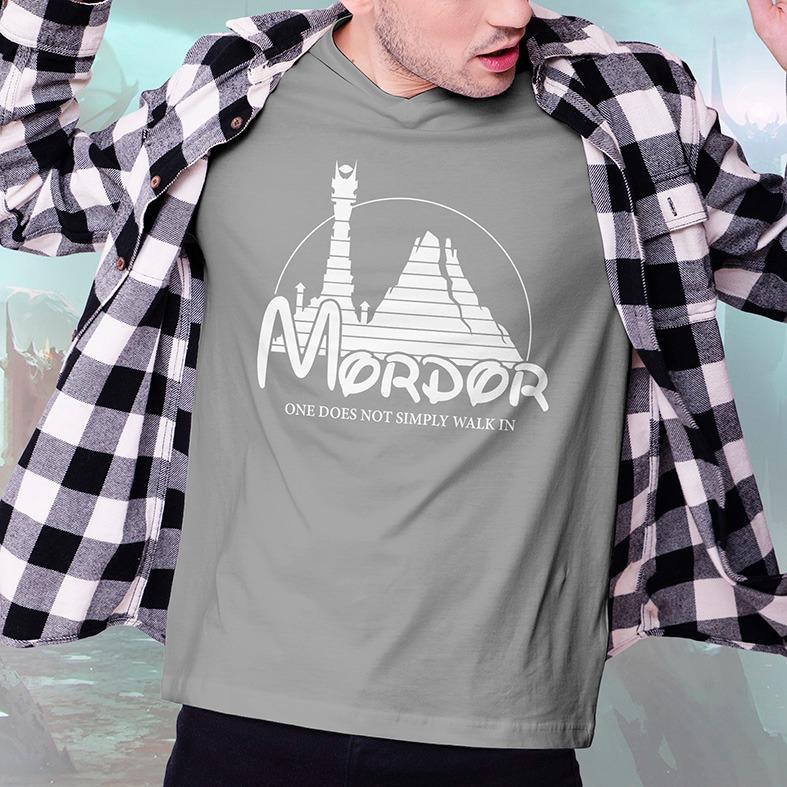 Camiseta Masculina Unissex Mordor One Does Not Simply Walk In Disney O Senhor Dos Anéis Cinza - EV