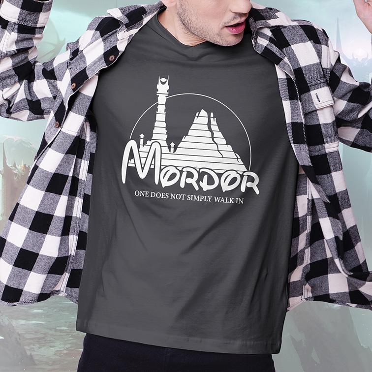 Camiseta Masculina Unissex Mordor One Does Not Simply Walk In Disney O Senhor Dos Anéis (Cinza Chumbo) - EV