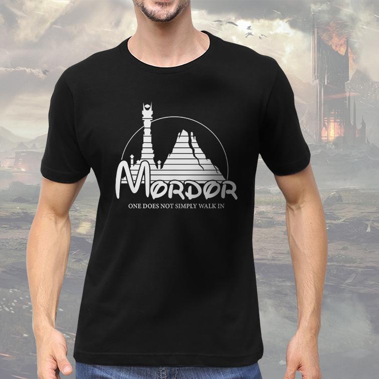 Camiseta Masculina Unissex Mordor One Does Not Simply Walk In Lord Of The Rings Disney O Senhor Dos Anéis (Preta) - EV