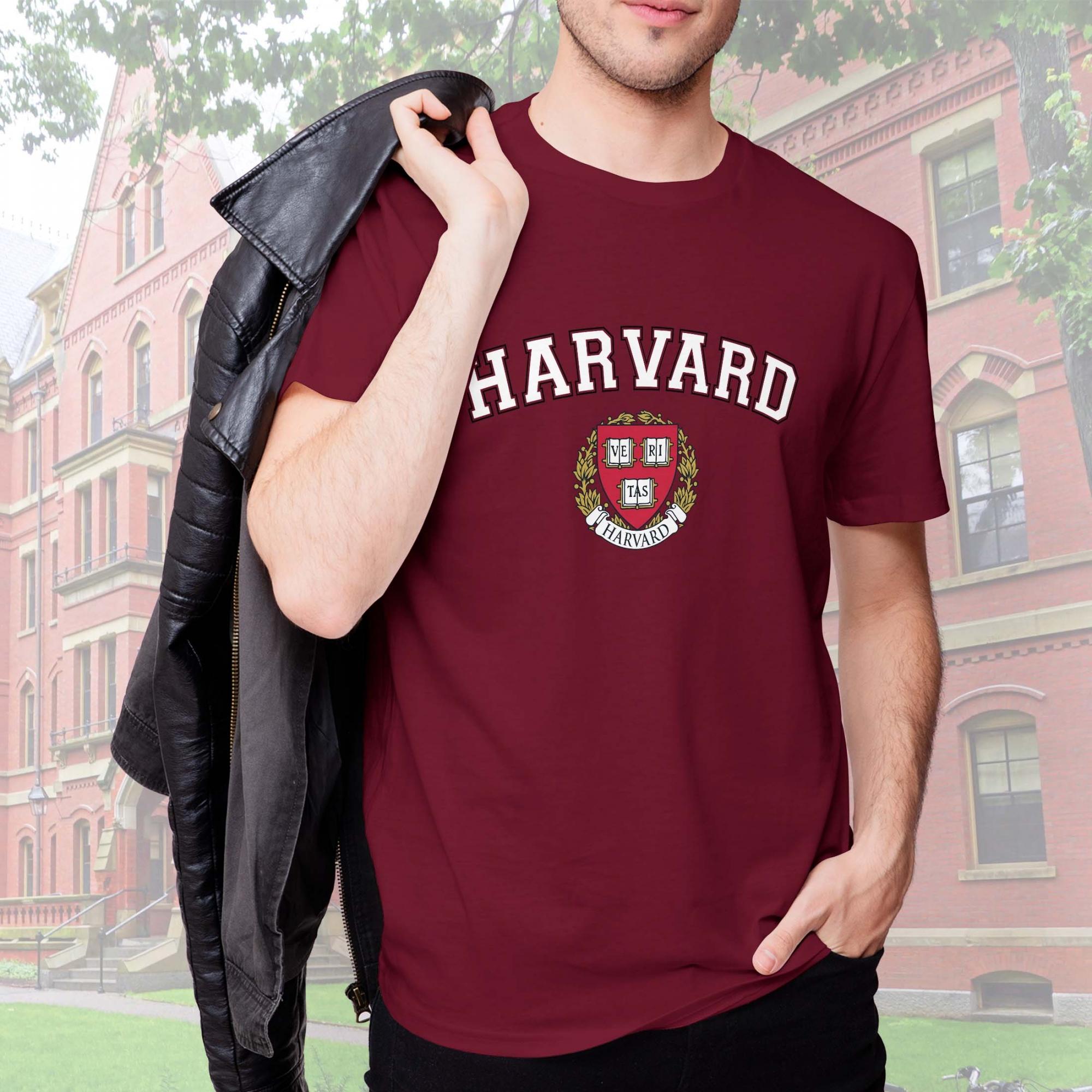 Camiseta Masculina Unissex Universidade Harvard Cambridge Massachusetts Estados Unidos Veritas University (Bordô) - EV