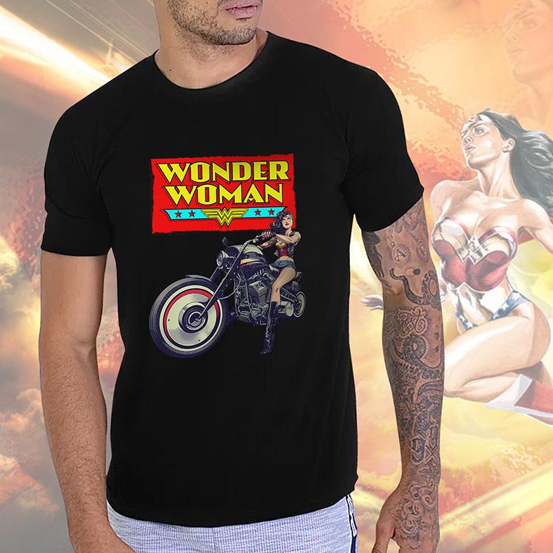 Camiseta Masculina Unissex Wonder Woman Motorcycle Mulher Maravilha Motocicleta (Preta) - EV