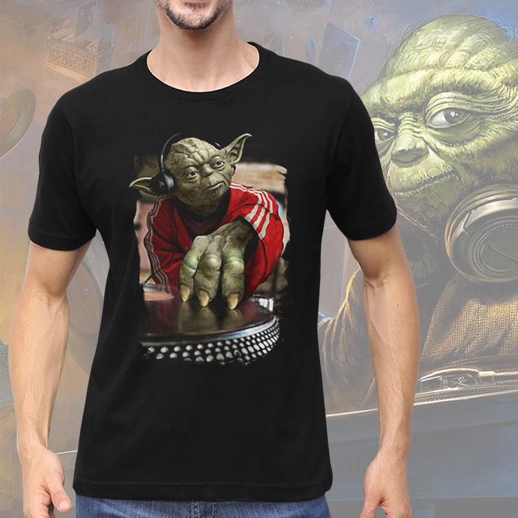 Camiseta Masculina Unissex Yoda Night Dj Music: Star Wars (Preta) - EV