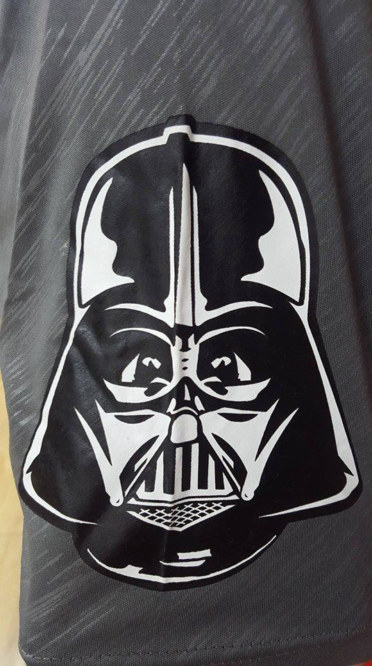 Camiseta Star Wars: Darth Vader - Futebol Americano GG