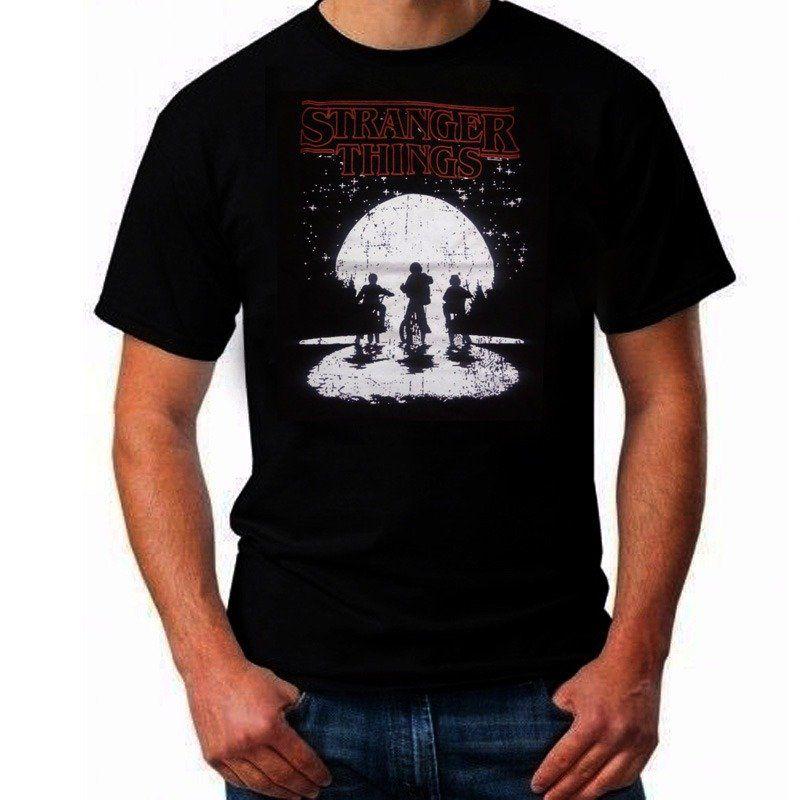 Camiseta Stranger Things: Garotos na Bicicleta (Preta)