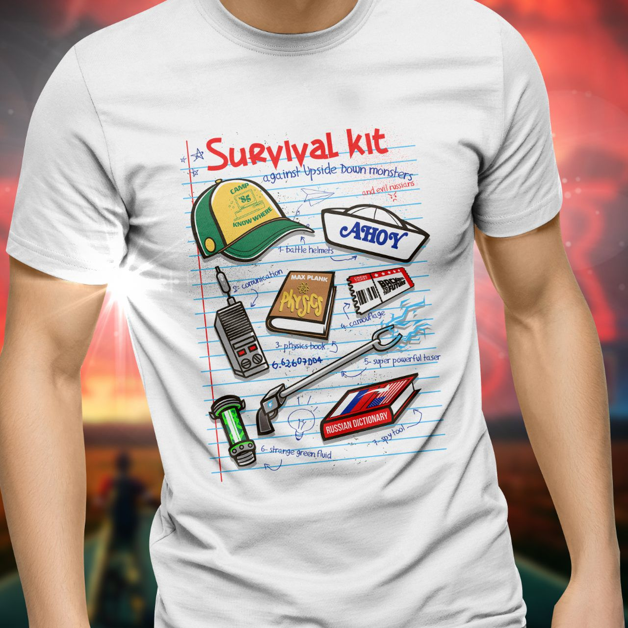"Camiseta Unissex ""Survival Kit"": Stranger Things - Exclusiva ToyShow"