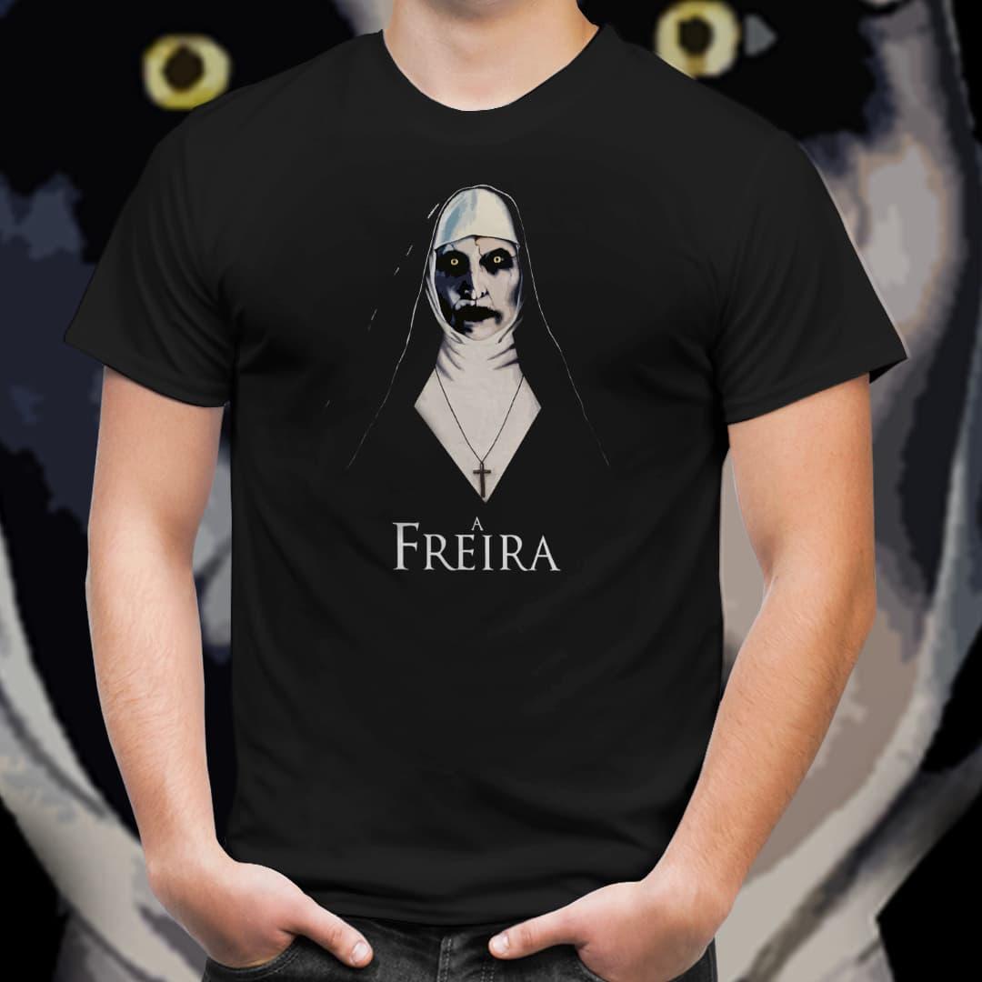 Camiseta Unissex A Freira Cartoon (Preto) - EV