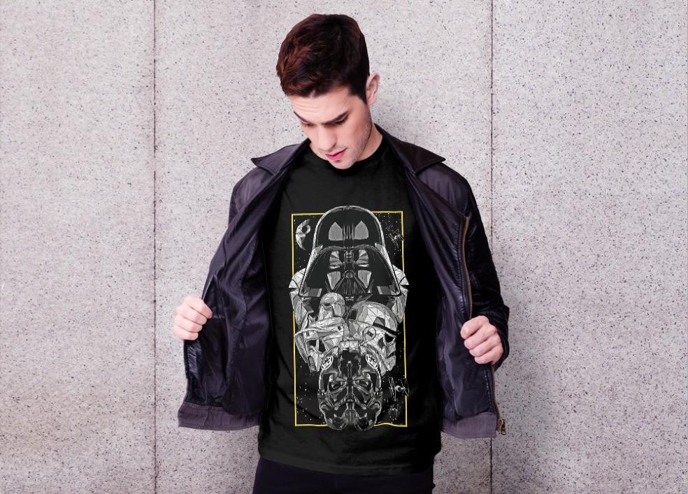 Camiseta Unissex Darth Vader e os Troopers Império   - Star Wars (Preta) - EV
