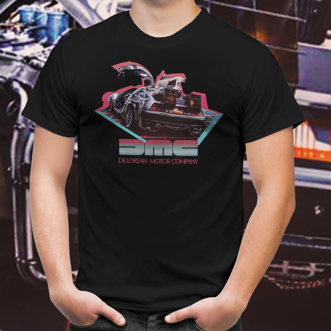 Camiseta Unissex Delorian New Wave: De Volta Para o Futuro (Preto)