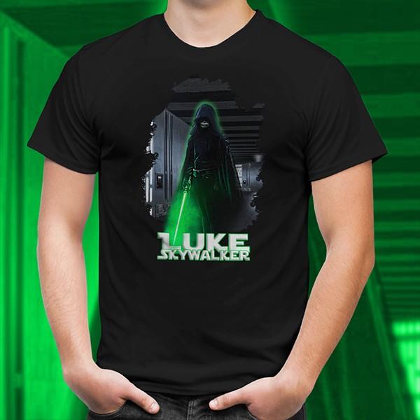 Camiseta Unissex  Mandalorian: A Chegada de Luke Skywalker - EV
