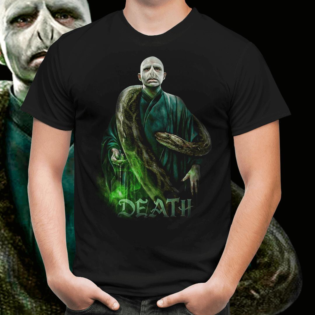 Camiseta Unissex  Voldemort & Nagini de Volta a Vida:
