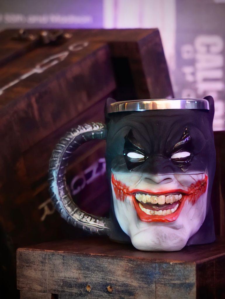 Caneca 3D Batman que Ri Batman Who Laughs: DC Comics - EV