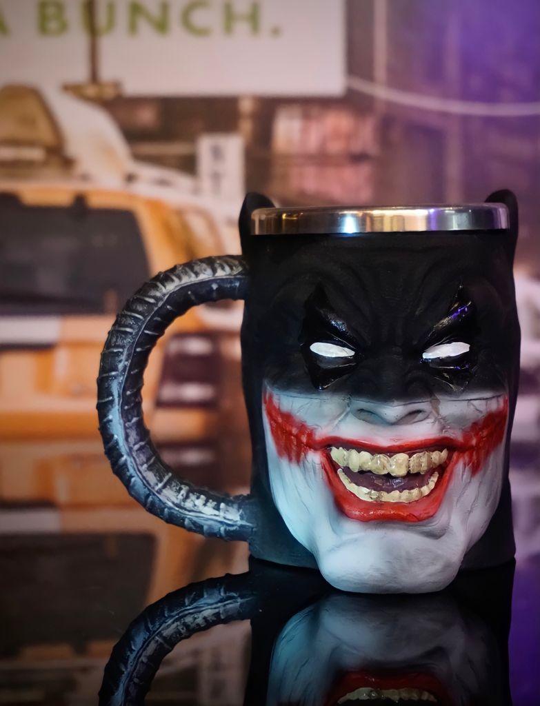 Caneca 3D Batman que Ri Batman Who Laughs: DC Comics