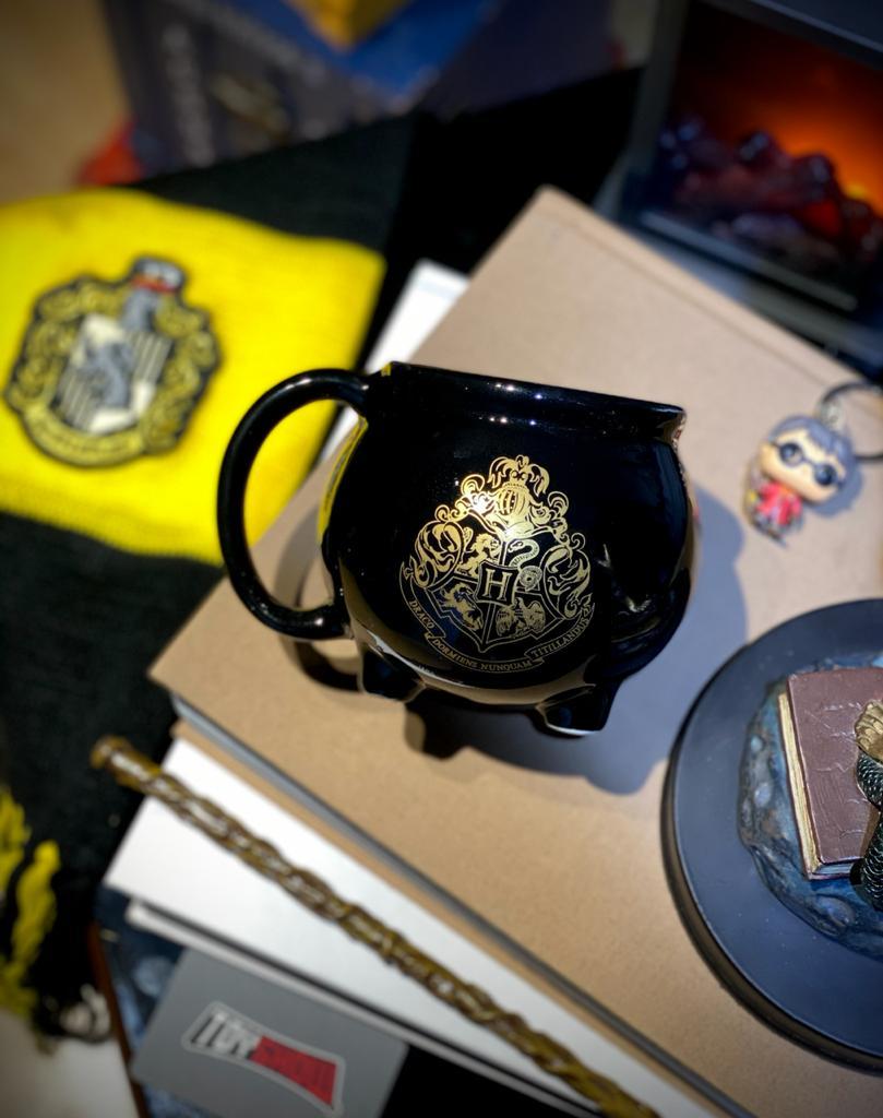 Caneca 3D Caldeirão Hogwarts: Harry Potter - (500ML)