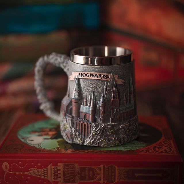 Caneca 3D Hogwarts Escola de Bruxos Harry Potter - EV