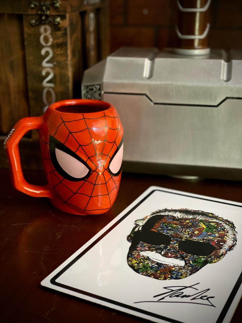 Caneca 3D Homem-Aranha (Spider-Man): Marvel - 400ML
