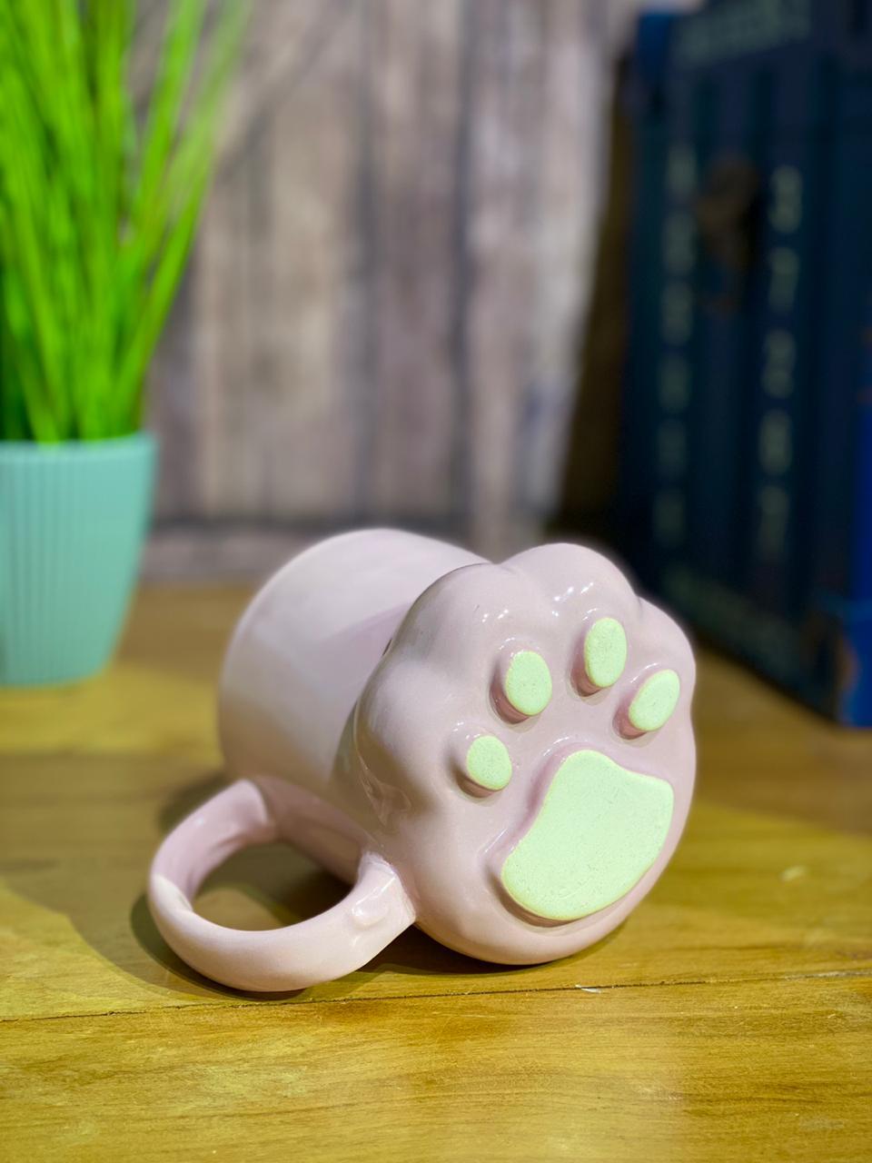 """Caneca 3D """"Pata"""" Gatinho (Rosa) (Pequenos Detalhes Na Cerâmica)"""