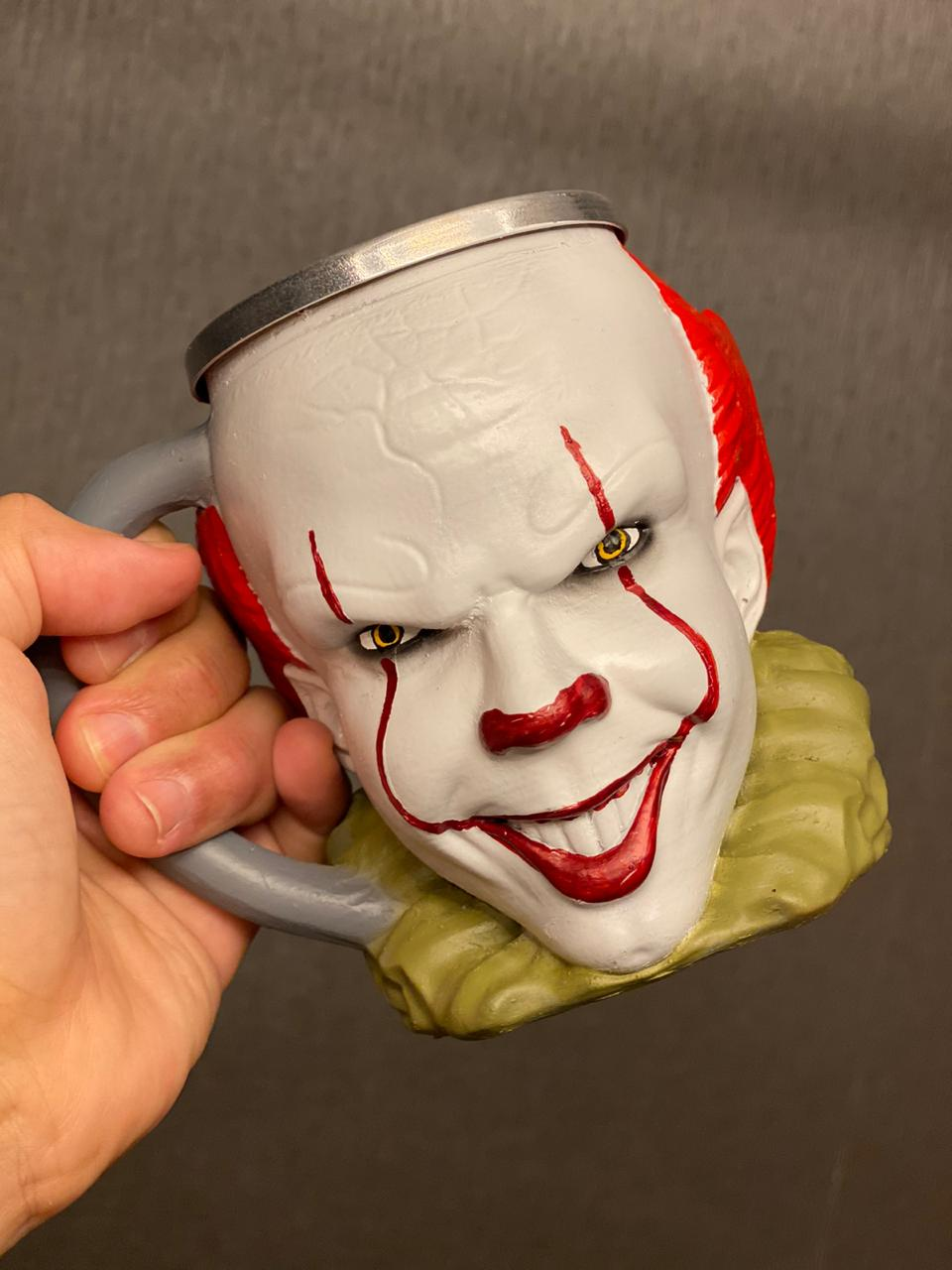 Caneca 3D Pennywise 2: It (A Coisa) (300ml)