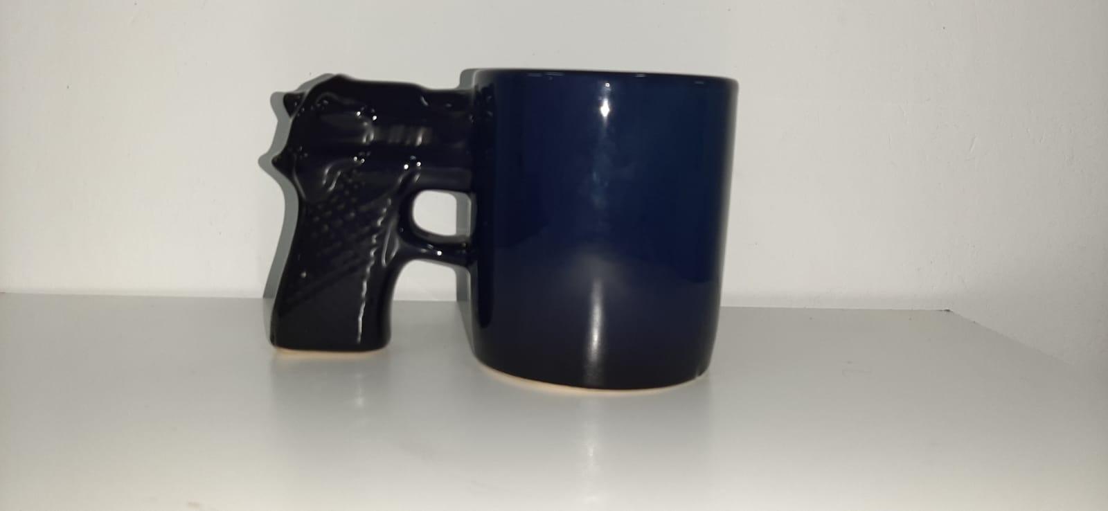 Caneca 3D Pistola (Arma Quadrada) (Pequenos Detalhes Na Cerâmica) (Azul)