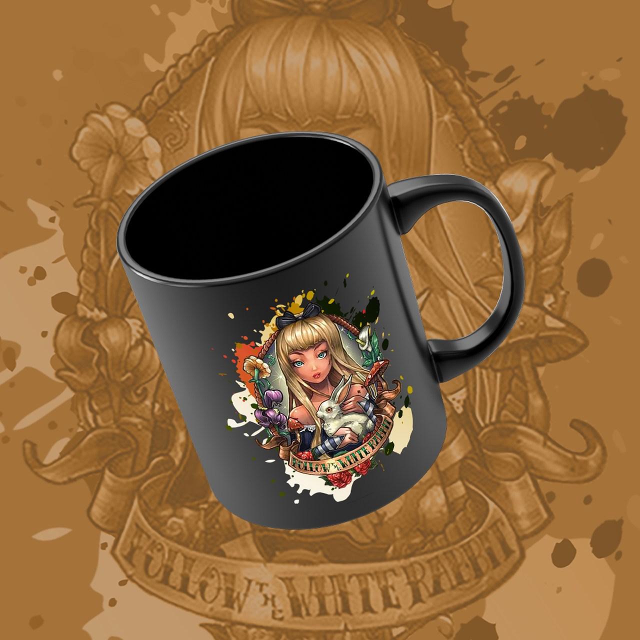 Caneca Alice: Alice no País das Maravilhas - Disney (Preto) - EV