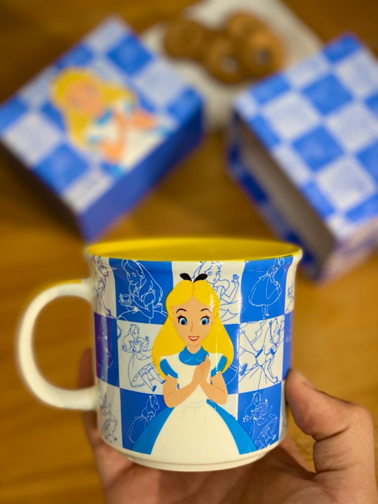 Caneca Alice No País Das Maravilhas: Disney - (350ML)