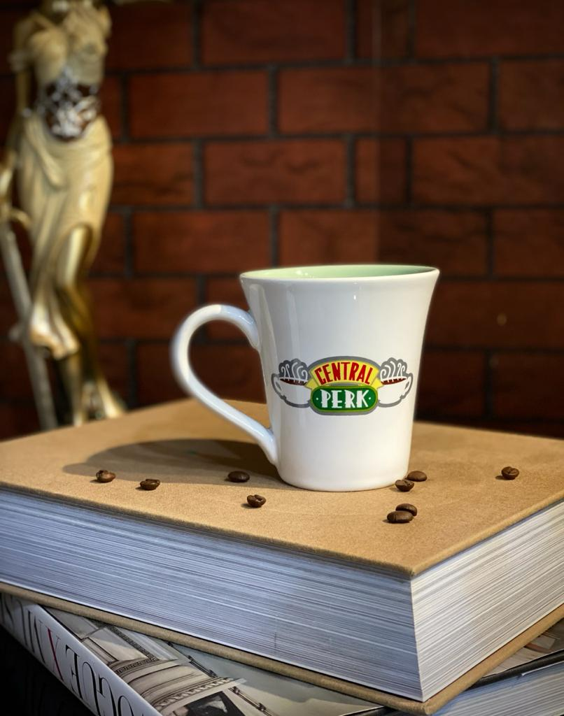 Caneca Branca Central Perk - Friends