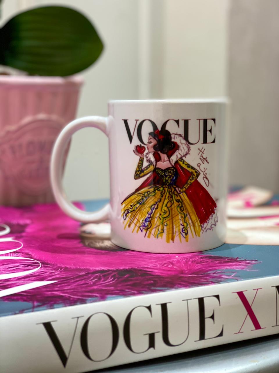 Caneca Branca de Neve (Vogue): Princesas Disney - EV