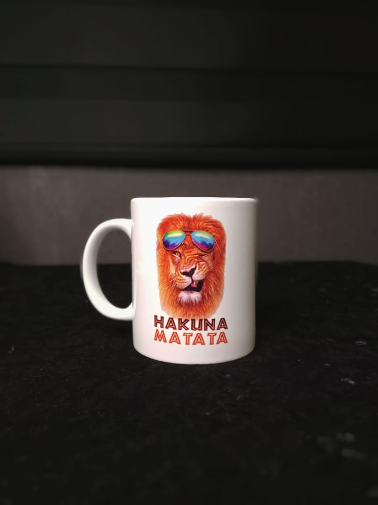 Caneca Branca Hakuna Matata: Rei Leão (The Lion King) - EV