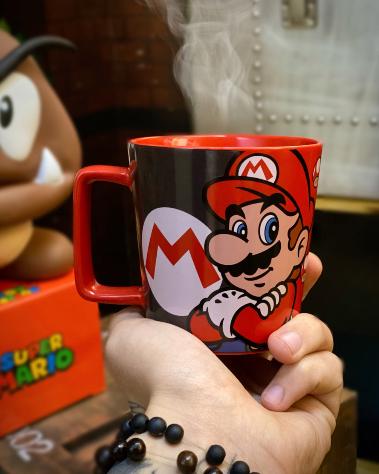 Caneca Buck Mario Cogumelo Vermelho: Super Mario Bros 400ml