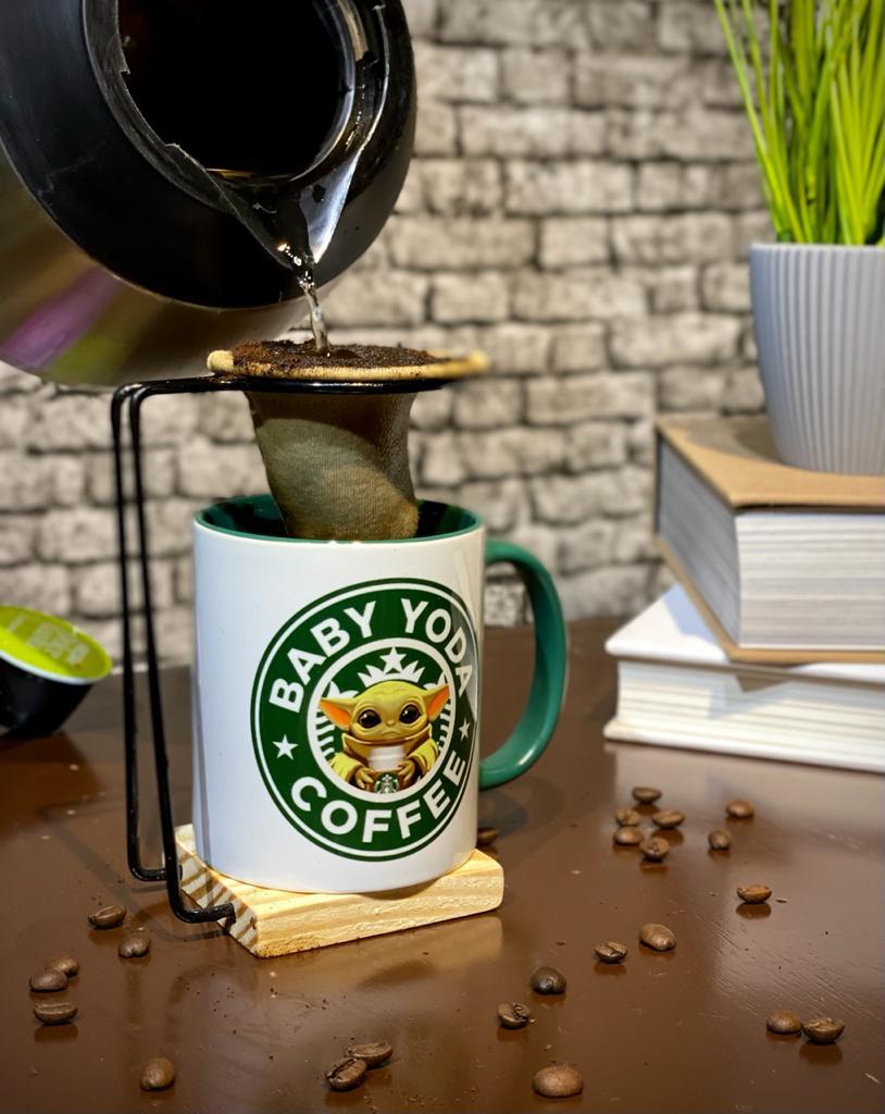 Caneca Com Colher e infusor Grogu ''Baby Yoda Coffee'': Star Wars - Branca - EV