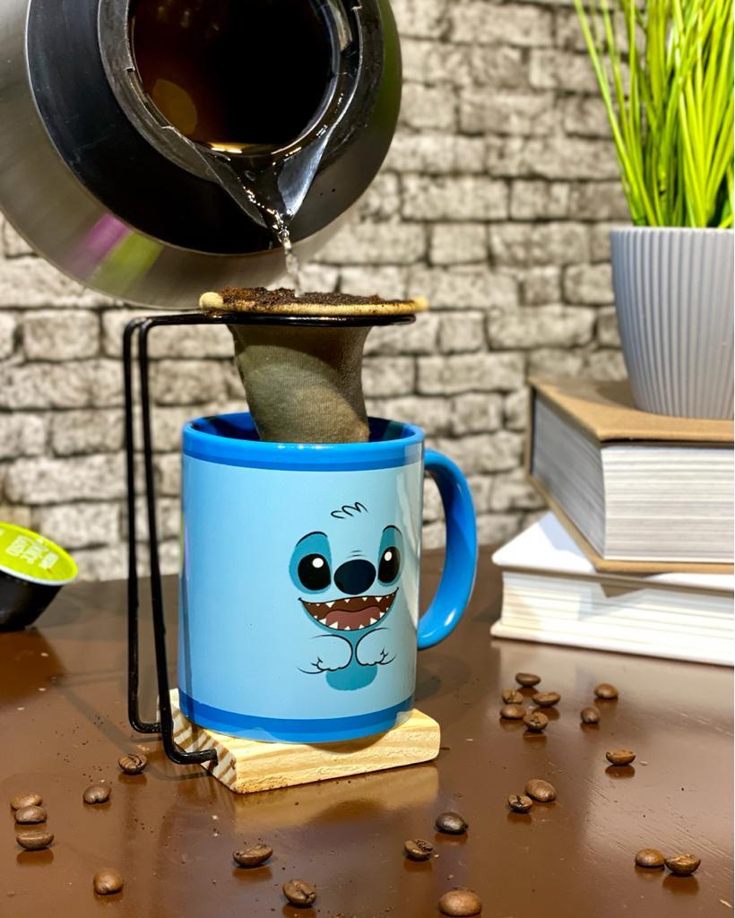 Caneca Com Colher e infusor Stitch: Lilo & Stitch - EV