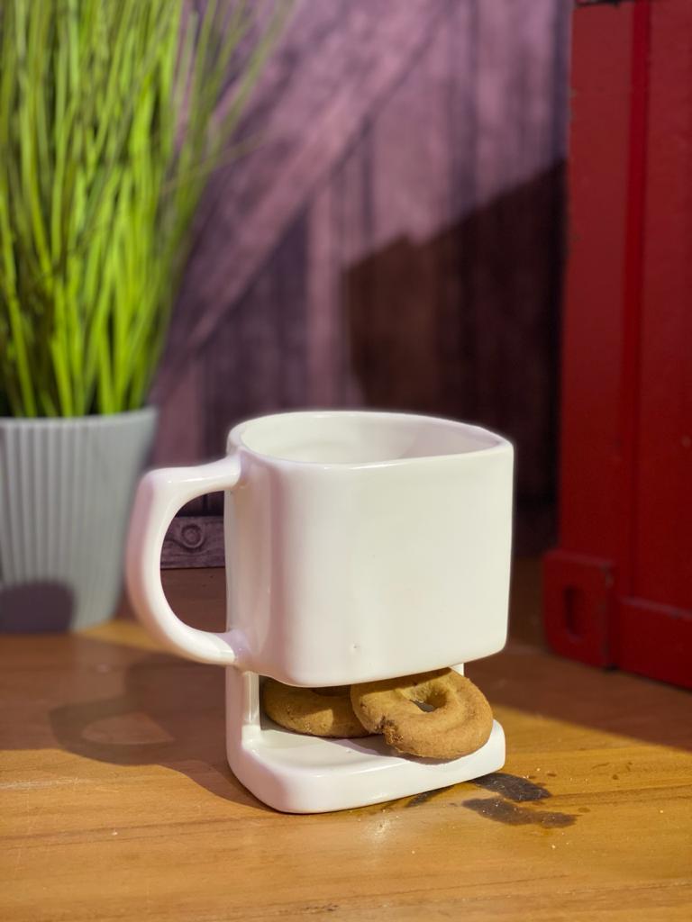 Caneca Com Porta Biscoito (Pequenos Detalhes Na Cerâmica)