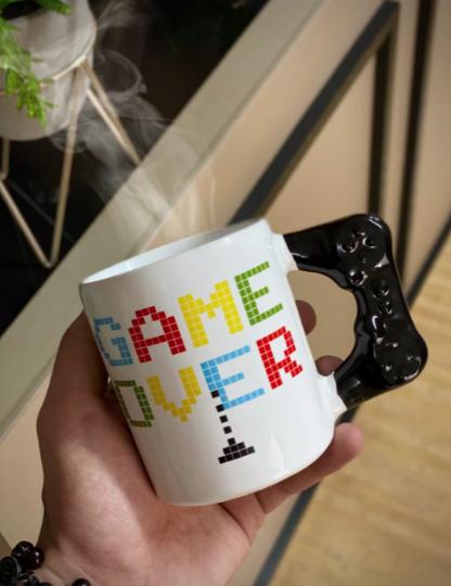 Caneca Controle de Vídeo Game: Game Over 350 ML (Branco)