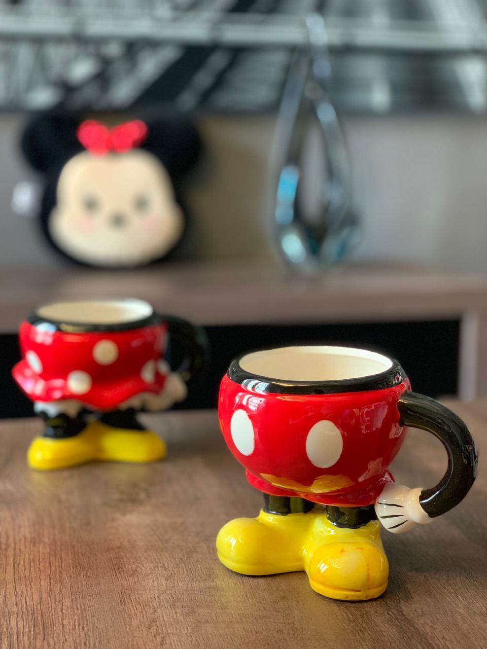 Enfeite de Porcelana / Caneca 3D Corpo Mickey Mouse - Disney