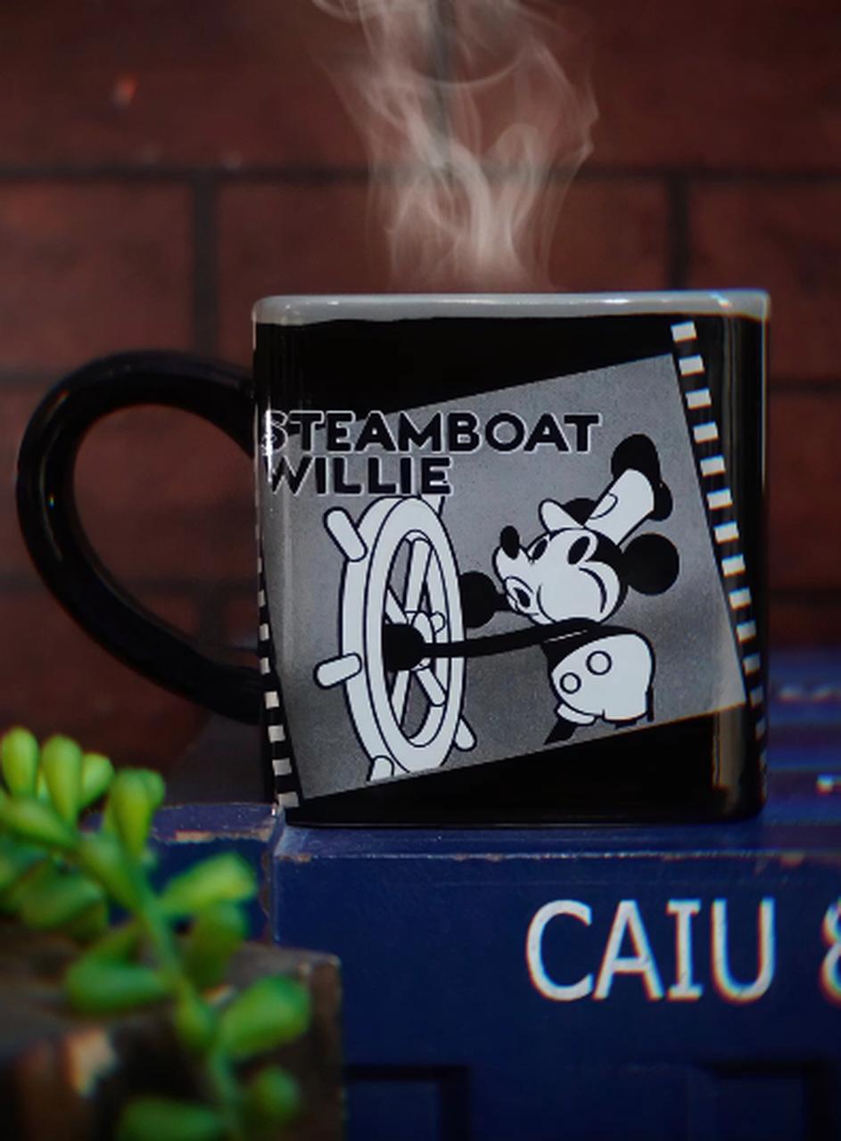 Caneca Cubo Mickey Mouse Steamboat Willie Disney 300ml - Zona Criativa
