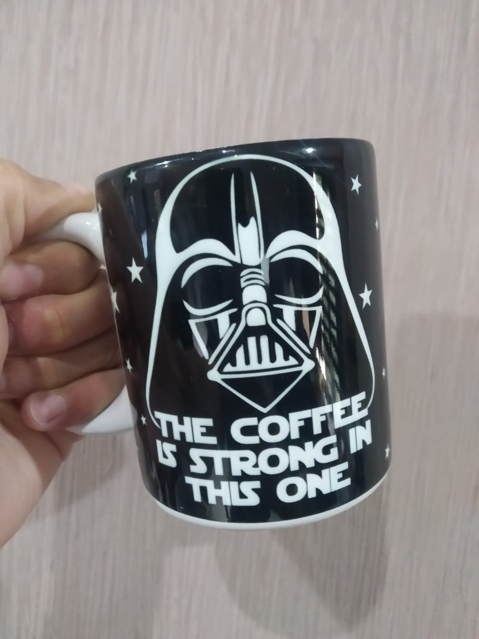 "Caneca Darth Vader ""The Coffee Is Strong In This One"": Star Wars"
