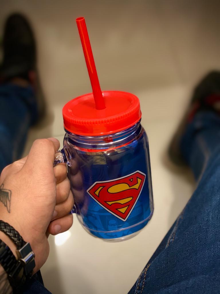 Caneca De Plástico Com Canudo Super Homem Superman: Super Friends -  DC Comics (420ml)