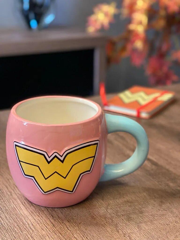 Caneca de Porcelana Mulher-Maravilha (Wonder Woman) (600 ml)
