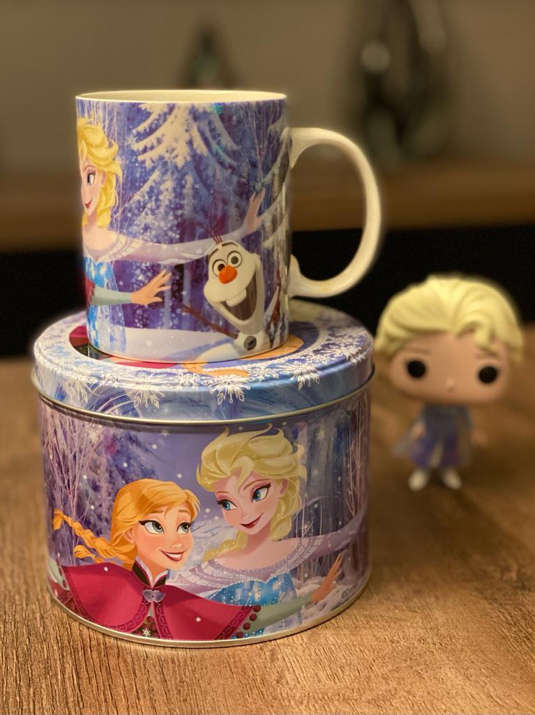 Caneca De Porcelana Na Lata Frozen: Princesas Disney (Dançando) (350ml)