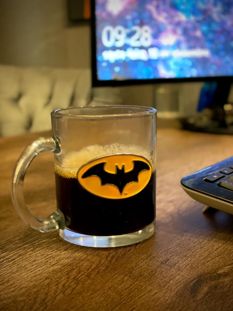 Caneca De Vidro Brasão Batman: Liga Da Justiça Super Amigos Super Friends (370ml)