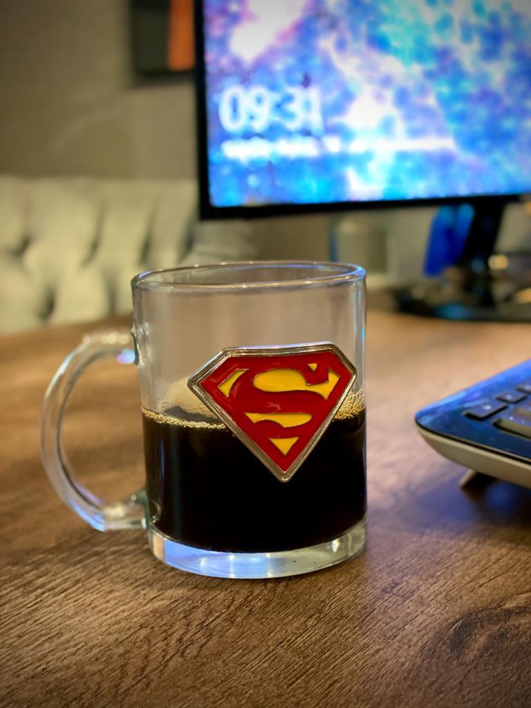 Caneca De Vidro Brasão Super Homem Superman: Liga Da Justiça Super Amigos Super Friends (370ml)