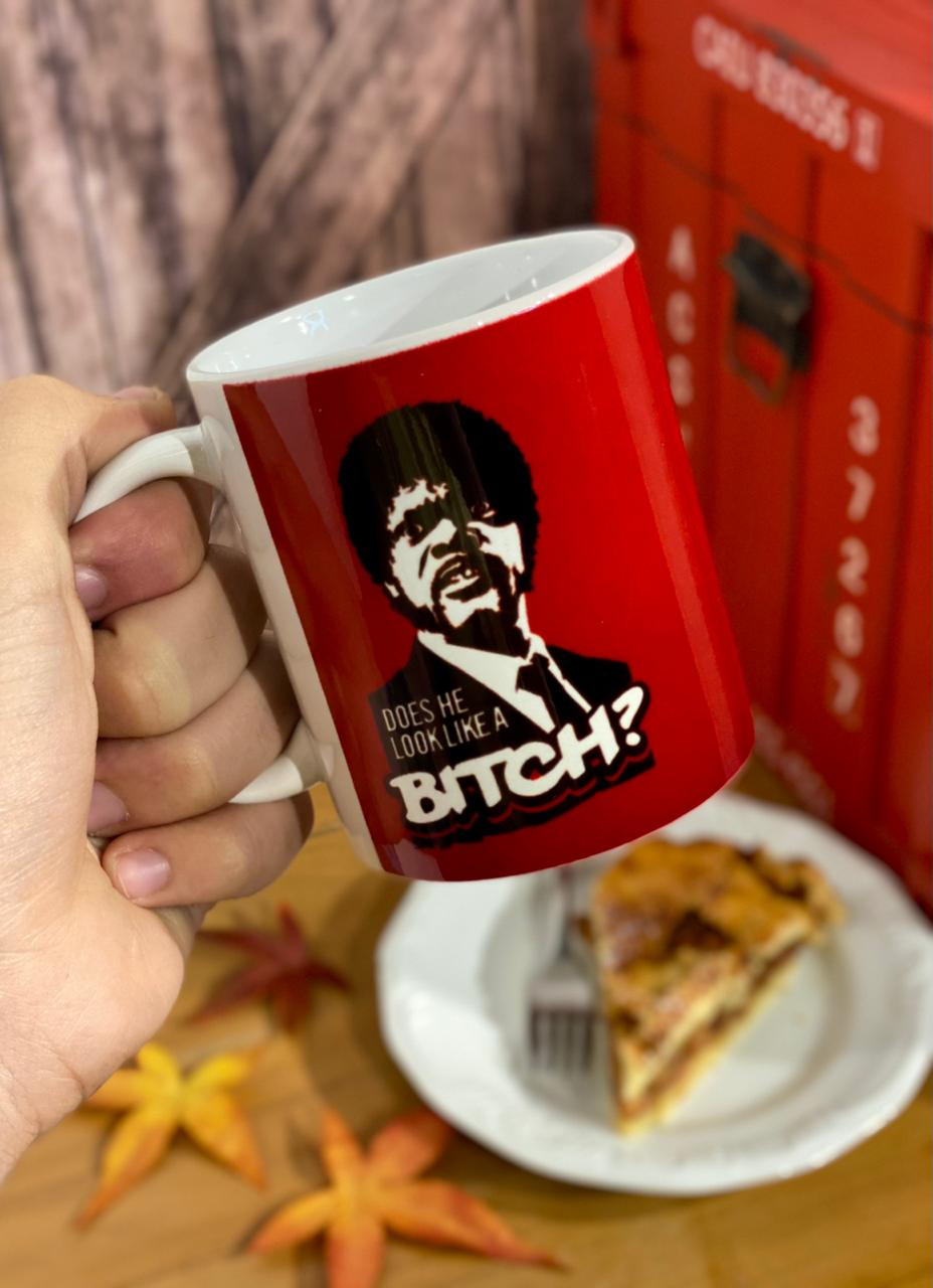 Caneca: ''Does He Look Like a Bitch?'' Pulp Fiction