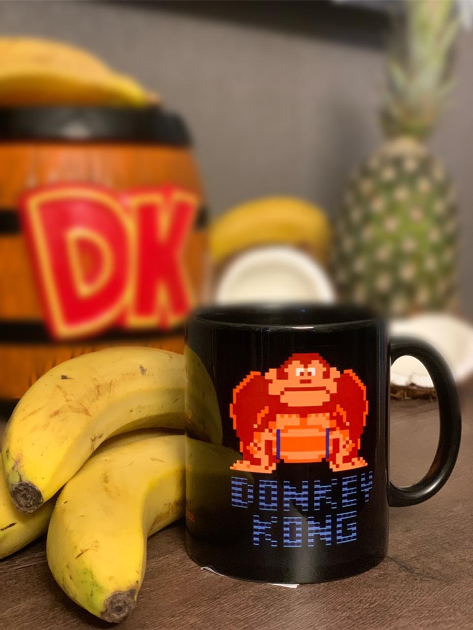 Caneca Donkey Kong 8-bits (Preta) - Nintendo