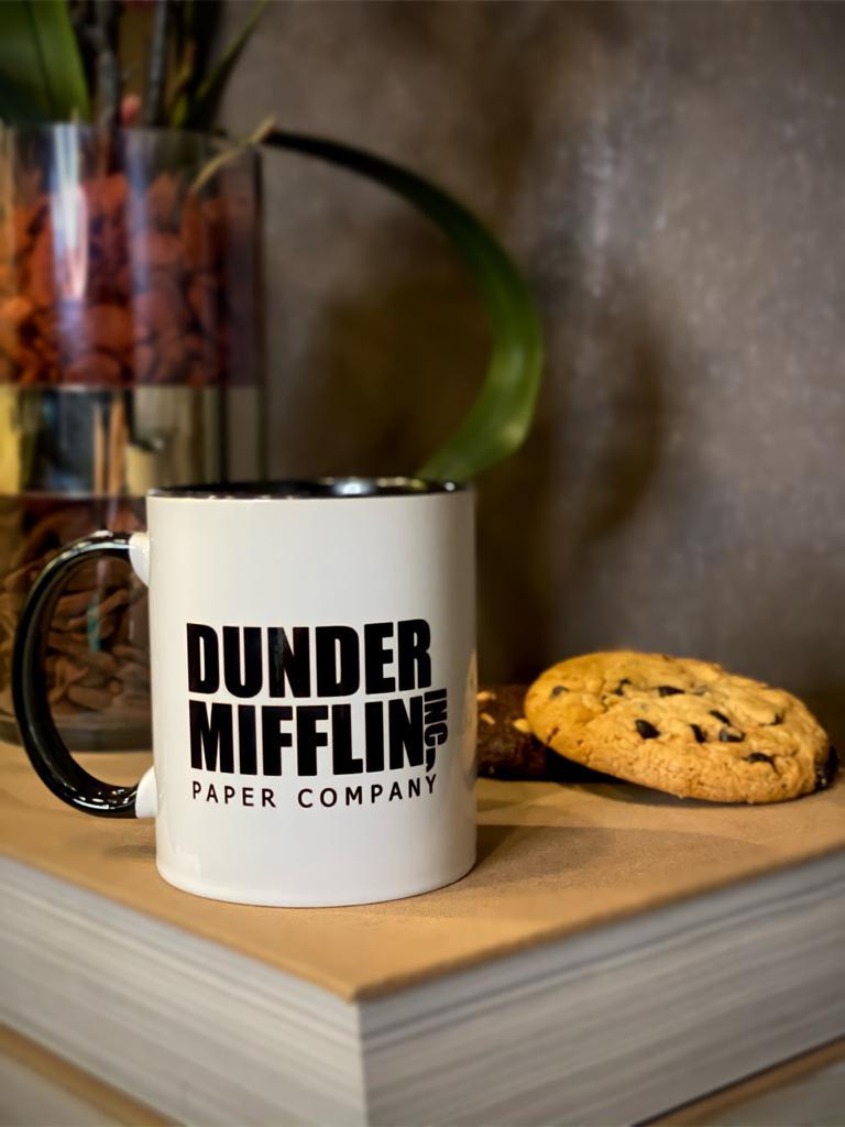 Caneca: '' Dunder Mifflin Inc Paper Company '' The Office ( Alça Preta ) - EV